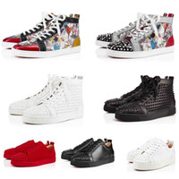 Sneakers de venta de fábrica Classic Studded Red Bottom High Tops Hombres / Mujeres Sneaker Sneaker, Geunine Leather Suede Rivets Trainers Vestido de novia