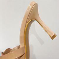 2021 Design di lusso Weave Slift Diapositive Donne 9.5 cm Tacchi alti Mules Fetish Sandali Summer Sandali Lady Tacchi sottili Pantofole femminili Nude Shoesmultifunzione