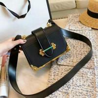 높은 Fahion 레이디 크로스 바디 가방 숙녀 숄더 가방 실버 체인 손 스트랩 핸드백 체인에 도매 여성 패션 어깨 가방 지갑
