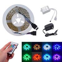 El más nuevo diseño de plástico de 300 LED RGB 24W SMD3528 IR44 luz de tira conjunto con control remoto IR Controller (blanco alumbrado de la placa)