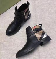 Натуральные кожаные повседневные сапоги женские туфли Martin Boots Shake Chisting Emported Imported Calfskin плед полоса для женщин короткие сапоги