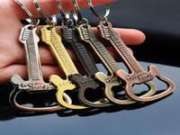 Llavero de la botella de la botella de la guitarra de la cerveza Llavero de llavero llavero llavero anillo divertido regalo cocina accesorios herramienta regalo de la aleación de zinc hwe3986