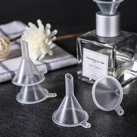 Mini Transparente Plástico Pequeños embudos Perfumes Aceite Esencial Botella Vacío Botella Líquido Relleno Funnels Barra de cocina Herramienta de comedor HA1619