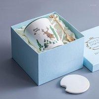 أكواب OUSSIRRO عيد الميلاد الجدة كوب السيراميك الإبداعي في علبة هدية القهوة / الحليب مع غطاء ملعقة تعطي الحبيب هدية عيد ميلاد 1