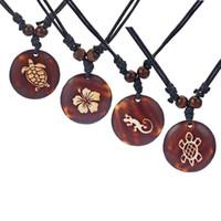 Collares colgantes 1 unids Brown Faux Yark hueso tallado tortuga // flor / gecko encantos collar de joyería