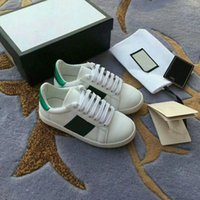 A1 2021 niños zapatos de estrellas blancas para niños zapatos de lona niños pequeños zapatos blancos niñas pequeñas abejas ocio placa zapato