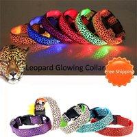 Einstellbare Haustierkatze-Hunde-Glow-LED-blinkende Sicherheits-Kragen leuchten leuchtende LED-Nylon-Halsband Leopard-Hundehalsbänder / los LJ201109
