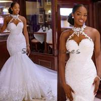Schwarze Mädchen Meerjungfrau Brautkleider Afrikanische Halter Nacken Applikationen Spitze Kirche Hochzeitskleid 2021 Plus Größe Country Beach Sexy Robe de Mariee
