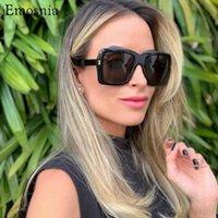 Emosnia 2020 Trendy Italie surdimensionné Lunettes de soleil carrées Femmes Mode Big Cadre Shades Lunettes de soleil pour l'extérieur Protection des yeux