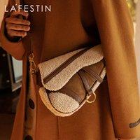 HBP La Festin 2020 الربيع والصيف واسعة حزام الكتف d- شكل حقيبة السرج الأزياء البرية واحدة الكتف رسول حقيبة الإناث المد