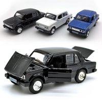 Lada 2106 모델 자동차 1 : 36 규모 다이 캐스트 자동차, 어린이 소년을위한 합금 차량 장난감, 열린 도어 / 사운드 / 라이트 / 당기기 Y200109