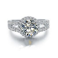 2 CT優秀なラウンドハローI-J色NSCDシミュレートされたダイヤモンド婚約リング18Kホワイトゴールドメッキ