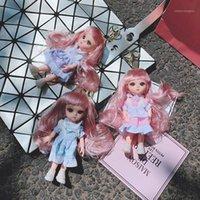 Porte-clés 2021 Mignon longue poupée de cheveux ondulés Porte-clés femme coréenne coréenne cornichon Chaîne de la clef pour fille Charms Car Ring1