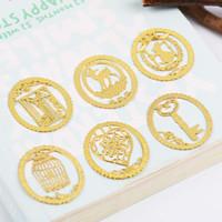 1PC Mignon Gold Metal Bookmark Fashion BirdCage Crown Crown Clips pour livres Papier Produits Creative St Jllviu