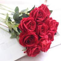 Fiori decorativi Corone 10 pz 8cm Tessuto di velluto Fiore di rosa artificiale Singolo stelo W / foglie forniture di nozze Decorazione della casa
