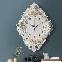 크리 에이 티브 장식 유럽 레트로 수지 목가적 쿼츠 시계 음소거 스타일 음소거 된 패션 장미 꽃 둥근 벽 선물 지원 Y200109