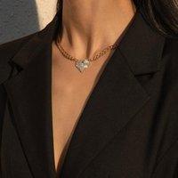 Ketten Finden Sie mich einfache Legierung Single Layer Halskette Herz Strass Anhänger für Frauen Modeschmuck Zubehör