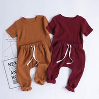 Ins Giyim Setleri 2021 Yaz Toddler Çocuk Erkek Kız Katı Renk Kıyafetler Kısa Kollu Tees + Pantolon 2 Parça Takım Elbise Pamuk Bebek Giysileri Z2302