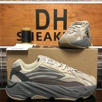 Высочайшее качество 700 мужчин Женщины Kanye Беговые Обувь Дышащая инерция Светоотражающая Tephra Сплошная серая Утилита Black Vanta Мужские Женские Спортивные кроссовки с коробкой
