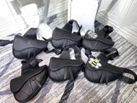 2020 Bolsa de silla de montar de cuero de alta calidad para hombres y mujeres Bolsa de hombro bordada de moda para mujer Bolso para mujer
