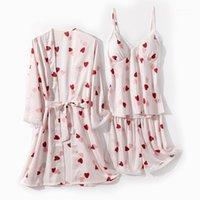 Ropa de dormir de las mujeres Conjunto de túnica de mujer Satin 3pcs Verano Thin Kimono Bath Bathwear Webwear Femenino Sedoso íntimo Lencería Ropa de hogar1