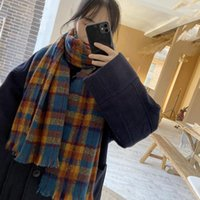 القبعات، والأوشحة قفازات مجموعات انكلترا نمط وشاح للنساء الشتاء لطيف لينة فتاة شابة مريلة البريطانية منقوشة شال سيدة مع tassel1