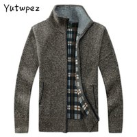 Yutwpez Hommes Pull occasionnel Manteaux Hiver Fashion Marque Hommes Cardigan Cardigan High Collier Poches Knit Outwear manteau Pull Sweater Homme 201125