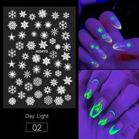 Feu / Neige / Modèles papillon ongles lueur autocollants Halloween Party Creative lumineux Effrayant Autocollants de Noël Festive Nail Art Sticker