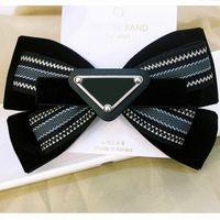 Nuevo Llegada Rayas Bowknot Triángulo Caballo de Pelo Mujer Muchacha Linda Letra Triángulo Varettes Moda Accesorios para el cabello
