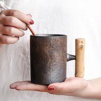 على الطريقة اليابانية خمر السيراميك البن القدح البهلوان الصدأ الصقيل الشاي الحليب البيرة القدح مع مقبض الخشب المياه كأس وزارة الداخلية DRINKWARE