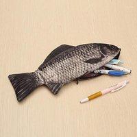 Creative Carp Pen Bag Realista Peixes Forma Make-up Pouch Pen Caixa Lápis com Zipper Saco De Armazenamento Bonito engraçado Mischief L * 51
