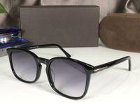 5605 الرجال الجديدة النظارات الأزياء الكلاسيكية مربع كامل الإطار uv حماية عدسة شعبية الصيف نمط النظارات الشمسية أعلى جودة تأتي مع القضية