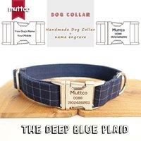 MutCTCO Leser gravé la vente au détail Cool fait à la main le plaid bleu foncé 5 tailles de chien Collier de chien UDC021 201104