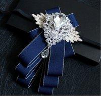 Tuestas de arco de estilo británico de diamante a mano de alto grado Groom Groomsman Vestido Traje Rhinestone Bowtie para Hombres Boda ACC JLLDDQ