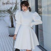 Twotwinstyle Элегантные платья для женской водолазки слойки с длинным рукавом высокие талии оборками тонкие женские платья 2020 одежда моды T200319