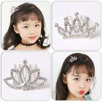 Taç Saç Taraklar Kız Mini Sevimli Çiçek Kristal Rhinestone Prenses Taç Saç Tarak Doğum Günü Partisi Tiaras Çocuklar için Saç Aksesuarları M3015