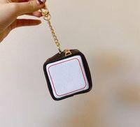 2021 letra de dados de alta calidad billetera de alta calidad accesorios de llavero unisex diseñador de moneda de moneda llavero pu patrón de cuero patrón de coche llavero joyería