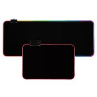 Bestseller Oyun Klavye Mouse Pad RGB Büyük Mousepad Gamer Mouse Mat Bilgisayar Mouse Pad Deskmat için LED Arka Işık Yüzey Madeni Pad