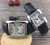 Moda Nuovo Design Design Donne Guarda Leather Top Quality Amanti Orologi Uomo Quarzo Luxury Orologi Business Classical Clock