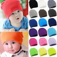 Niño recién nacido sombreros del bebé caliente del invierno Gorro de lana niños muchachas de los cabritos del color del caramelo de tejer sombreros infantil orejeras Gorros gorros bordados F101301