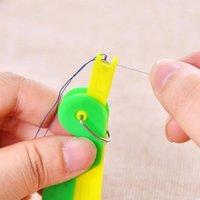 Nähen Vorstellungen Werkzeuge 10 STÜCKE Ältere Verwendung Automatisches Easy Nadelgerät Fädelhelferhelfer-Faden-Guide-Lieferungen (zufällige Farbe) 1