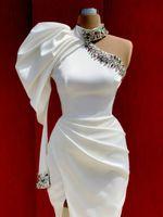 하나의 어깨 화이트 새틴 무도회 크리스탈 쪽 높은 분할 긴 인어 높은 목 이브닝 드레스 여성 미인 가운