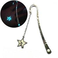 Luminous metal estrela voando homem baleia bookmark bookmark brilho no marker de livro escuro presentes1