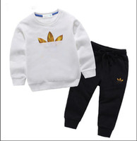 Fashion New Kids Vêtements Designer garçons 2 pièces Vêtements de filles à col rond manches longues manches longues + pantalon classique vêtements chauds