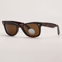 Lunettes de soleil polarisées Hommes Conduite de mode Femmes Lunettes de soleil Fashion Designer Polarized Verres Verres Protection des Nations Unies avec étui en cuir libre