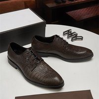 Diseñador para hombre rojo fondos de fiesta vestido de fiesta resbalón de boda en los zapatos de mocasines para hombre de moda plano de la moda Oxford Luxurys Luxurys zapatos de vestir