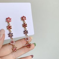 Dangle Chandelier dominado 2021 longas flores de cristal fino multicolor gota brincos vendendo korea joker estilo clássico mulheres jóias 1