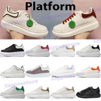 2021 Nouvelle libération Chaussures de mode Mens Plate-forme Baskets Noir Blanc Gris Caoutchouc Caoutchouc Laser Lumière Clair Velours Velours Velours Velvet