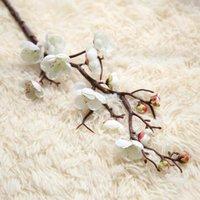 20pcs / lot Plum Cherry Blossoms Seta Fiori artificiali Stelo di plastica Stelo di plastica Sakura ramo del ramo della casa decorazione della decorazione della decorazione di nozze Corona
