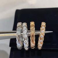 Natal presente clássico novo titanium aço amor fragrância anel de ouro homens e mulheres estilo xadrez de diamante anel de diamante amor charme presente de embalagem bo